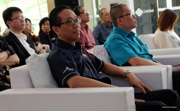 Direktur Utama PT MNC Asset Management Ferry Konjongian saat menghadiri acara peluncuran MNC DUIT di lobby MNC Financial Center, Jakarta, Jumat (19/5/2017). Reksa dana online MNC DUIT hadir untuk menjadi solusi bagi keinginan masyarakat berinvestasi di era digital dengan kemudahan serta keamanan fitur-fitur yang diberikan. Fasilitas tersebut dapat diakses melalui www.mncduit.co.id atau juga dapat diunduh melalui perangkat Android di Google Play Store.