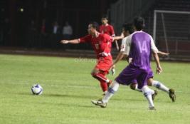 Pemain Timnas Atep saat laga uji coba melawan tim divisi utama Persita Tangerang.