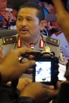 Kepala Divisi Humas Mabes Polri, Irjen Pol. Anton Bahrul Alam saat memberikan keterangan kepada wartawan mengenai mutasi Kapolda Banten