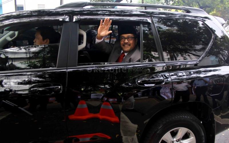 Foto Kantor Gubernur Dki Jakarta ke Kantor Dprd Dki Jakarta