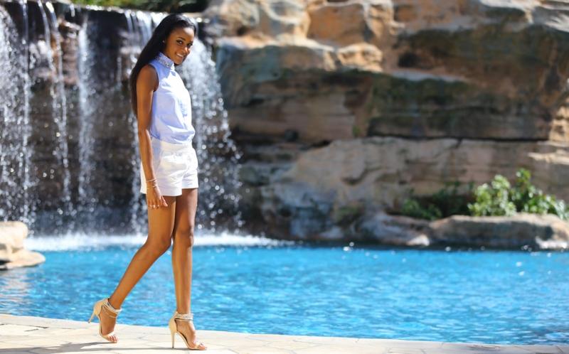 Di hari kedua, sesi pengambilan gambar dan pembuatan video profile para kontestan Miss World 2013 masih mengambil lokasi di sekitar Lapangan Golf Pan Pacific Nirwana Bali Resort. Pilihan busana berwarna cerah membuat para gadis cantik ini terlihat menawan di tengah panorama alam Bali.