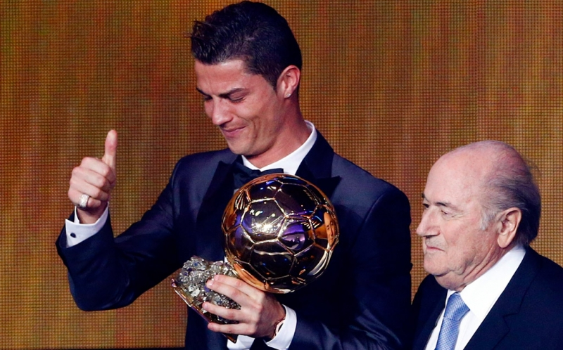 "Ballon d'or 2014  Manuel Neuer tacle (gentiment) Cristiano Ronaldo : ""Je ne"