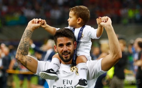 Pemain Real Madrid Ajak Keluarga Turun ke Lapangan Hijau
