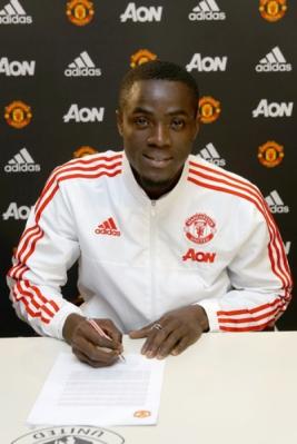 Ia diikat kontrak berdurasi empat tahun dengan opsi perpanjangan dua tahun.