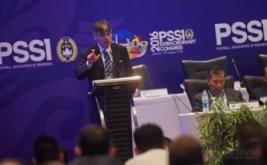 Perwakilan FIFA, Primo Cavalero memberikan penjelasan kepada peserta Kongres Luar Biasa PSSI di Jakarta, Rabu (3/8/2016). KLB PSSI yang dihadiri para pemilik suara itu membahas enam agenda diantaranya pemilihan Plt Ketua Umum PSSI hingga kongres pemilihan terdekat, penetapan pemilihan Komite Exco, penetapan tanggal pelaksanaan Kongres Tahunan Pemilihan PSSI dan pengesahan revisi Kode Pemilihan PSSI.
