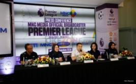 CEO MNC Group Hary Tanoesoedibjo (tengah), Managing Director MNC Media Kanti Mirdiati (kedua kiri), Director Programming RCTI Dini Putri (kedua kanan), Managing Director MNC Sky Vision Heri Susanto (kiri), dan Director Programming and Production MNCtv Endah Hari Utami (kanan) saat konferensi pers di MNC Financial Center, Kebon Sirih, Jakarta Pusat, Jumat (5/8/2016). MNC Media menjadi Official Broadcaster Premier League selama tiga musim dan akan disiarkan di RCTI, MNC TV, Indovision dan siarkan secara streaming di okezone.com.