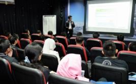 <p>  Avnet Technology Solutions Indonesia bersama dengan IBM & APC Indonesia menjelaskan tentang bagaimana trend penyimpanan terbaru berbasis flash serta business analytics.</p>