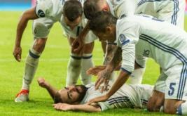 Real Madrid keluar sebagai juara Piala Super Eropa 2016. Los Blancos sukses mengalahkan Sevilla 3-2, mereka juga pernah meraih gelar juara serupa pada 2002 dan 2014.