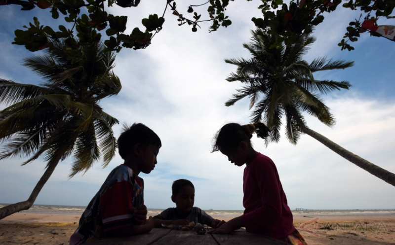 Wisata Pantai Sekerat Masih Minim Pengunjung
