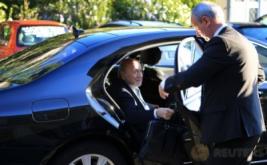 Mantan Presiden FIFA Joseph 'Sepp' Blatter tiba di Pengadilan Arbitrase Olahraga di Lausanne, Swiss, Kamis (25/8/2016). Kedatangan Blatter terkait banding atas hukuman enam tahun larangan terlibat dalam dunia sepakbola karena pelanggaran-pelanggaran etik.