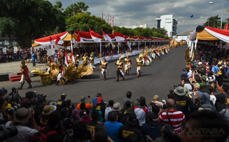 Puncak Jember Fashion Carnaval ke-15