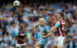 Pemain Manchester CIty Samir Nasri dalam laga lanjutan Premier League, Inggris, Senin (29/8/2016) dini hari WIB. Manchester City berhasil mengalahkan West Ham dengan skor 3-1.
