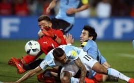 Gol semata wayang Lionel Messi membawa Argentina meraih kemenangan 1-0 melawan Uruguay.