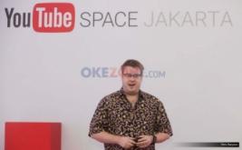 <p>  Head of YouTube Space, Asia-Pacific, David Macdonald (kiri) bersama para kreator di Jakarta, Kamis (8/9/2016).</p>