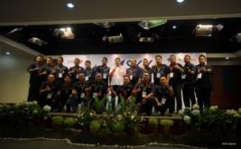 <p>  CEO MNC Group Hary Tanoesoedibjo memberikan pengarahan kepada peserta Rakornas PT MNC Sky Vision Tbk (MSKY) di Wisma Indovision 2, Jakarta, Kamis (8/9/2016).</p>