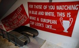 Stadion Anfield dilengkapi eskalator. Kandang baru The Reds ini kabarnya mampu menampung penonton menjadi 54.000.