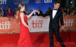 Amy Adams dan Jeremy Renner Hadir Bareng di TIFF 2016
