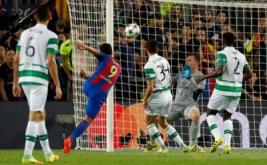 Luis Suarez (dua kiri) mencetak gol ke gawang Celtic FC pada babak kualifikasi Grup C Liga Champions 2016-2017 di Camp Nou, Bercelona, Spanyol, Rabu (14/9/2016) dini hari WIB.