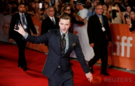 Aksi Selfie Justin Timberlake di TIFF 2016