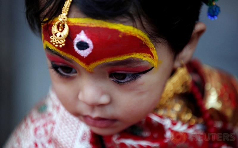 Lucunya Bocah yang Dirias pada Festival Kumari Puja