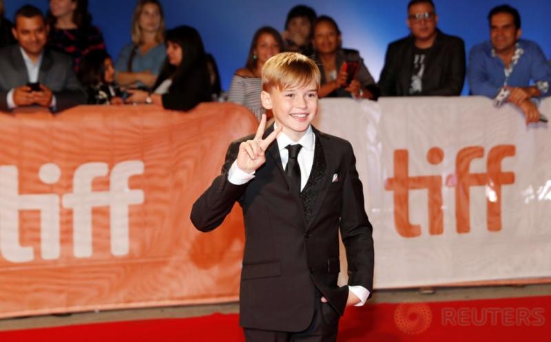 Aktor Cilik Maxwell Jenkins Hadiri Red Carpet TIFF ke-41