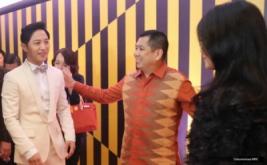 Hary Tanoe dan Jin Goo di Red Carpet ITA 2016
