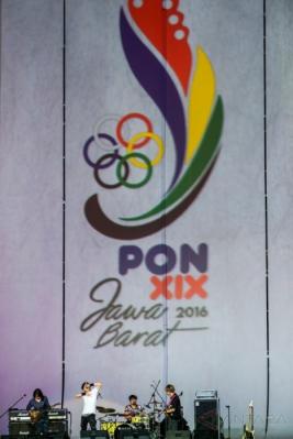 Band Gigi Hibur Penonton di Pembukaan PON XIX Jabar