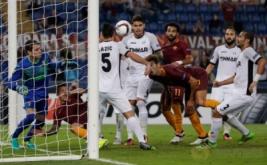 Federico Fazio mencetak gol ke gawang Astra pada laga lanjutan Europa League, di Stadio Olimpico, Jumat (30/9/2016) dini hari WIB.