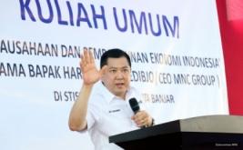 <p>  CEO MNC Group Hary Tanoesoedibjo memberikan kuliah umum di Sekolah Tinggi Ilmu Sosial dan Ilmu Politik (STISIP) Bina Putra Banjar, Jawa Barat, Selasa (4/10/2016).</p>