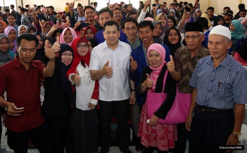 Hary Tanoe Ajak Mahasiswa Unbaja Membangun Perekonomian Indonesia