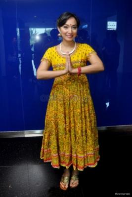 Suka dengan India, Putri Ikang Fawzi Tampil bak Artis Bollywood