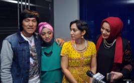 Keharmonisan Keluarga Ikang Fawzi di Talkshow Ada-Ada Aja