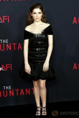 Pesona Aktris Cantik Anna Kendrick