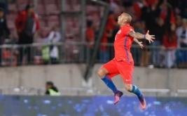 Arturo Vidal selebrasi usai mencetak gol ke gawang Peru pada Kualifikasi Piala Dunia 2018 Zona Conmebol, Rabu (12/10/2016).
