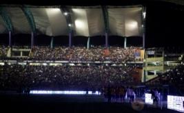 Lampu stadion tiba-tiba mati pada menit ke-75 saat laga Kualifikasi Piala Dunia 2018 Zona Conmebol yang mempertemukan tuan rumah Venezuela dengan Brasil.