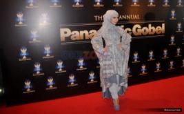 Artis Tanah Air Kenakan Dress Code Batik di Red Carpet Panasonic Gobel Awards 2016