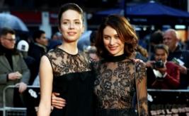 Olga Kurylenko dan Nina Podolska Tampil Kompak dengan Busana Hitam