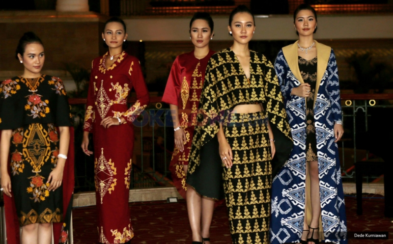 Batik Jawa Barat Karya Ambah Batik Ramaikan Indonesia Batik Heritage 2016