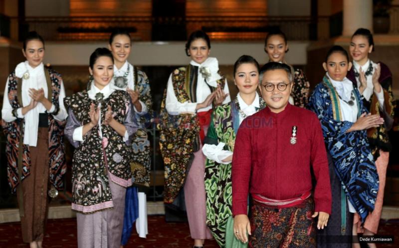 Fashion Show Batik Karya Deden Siswanto di Indonesia Batik Heritage 2016