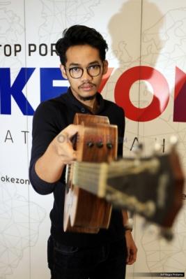 "Rio Riezky Yuliandrie Bawakan ""Sutradara"" di Okezone"
