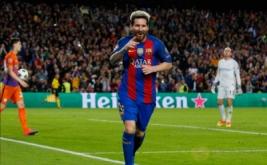 Lionel Messi selebrasi usai mencetak gol ke gawang Manchester City.