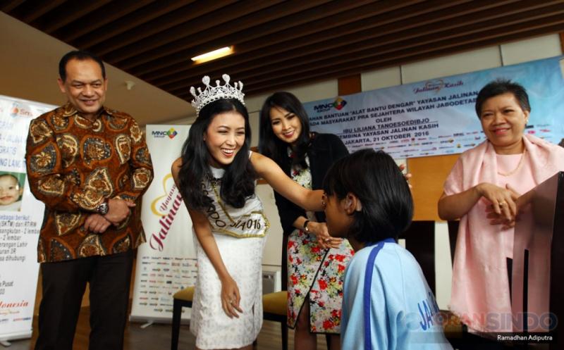 Yayasan Jalinan Kasih Berikan Bantuan 40 Alat Dengar