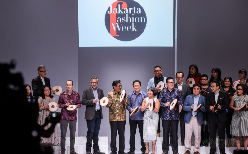 Jakarta Fashion Week 2017 Hadirkan Karya 250 Desainer Lokal dan Internasional