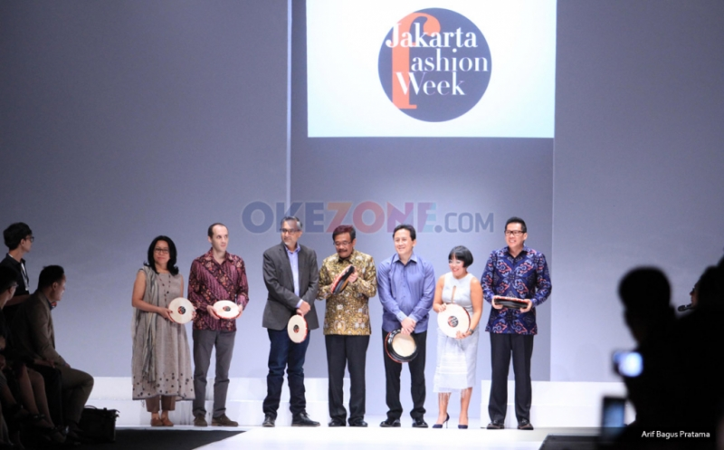 Tabuh Rebana, Wagub Djarot Buka Jakarta Fashion Week 2017