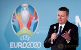 Presiden Asosiasi Sepakbola Jerman (DFB) Reinhard Grindel berbicara saat peluncuran logo Euro 2020 di Olympia Park, Munich, Jerman, Kamis (27/10/2016).