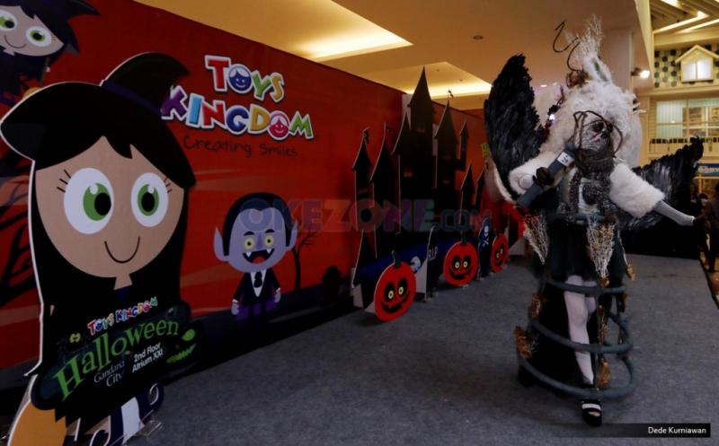 Anak-Anak Adu Kreativitas Berkostum Halloween