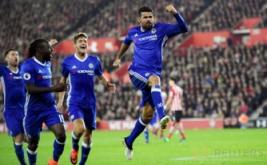 Diego Costa (kanan) selebrasi usai mencetak gol ke gawang Southampton pada menit 55.