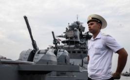 <p>  Kapal perang anti kapal selam Laksamana Tributs-564 milik Angkatan Laut Rusia bersandar di Pelabuhan Tanjung Priok, Jakarta, Rabu (2/11/2016).</p>
