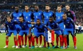 Skuad timnas Prancis foto bersama sebelum laga Kualifikasi Piala Dunia 2018 zona UEFA kontra Swedia. (REUTERS/Benoit Tessier)