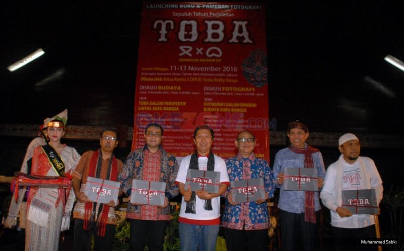 Lestarikan Budaya Leluhur lewat Pameran Foto dan Peluncuran Buku TOBA